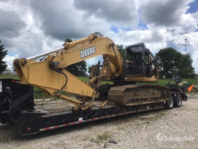 John Deere 200C LC Track Excavator, Hydraulic Excavator