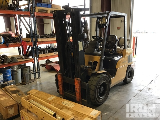 Cat Warehouse Forklift, Forklift