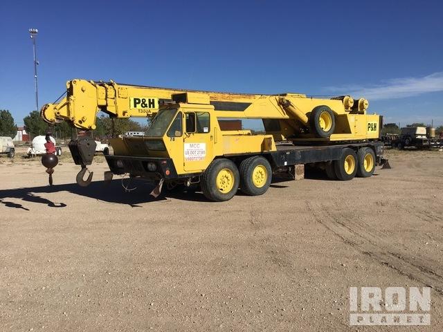 P & H T300A 8x4 Hydraulic Truck Crane, Hydraulic Truck Crane