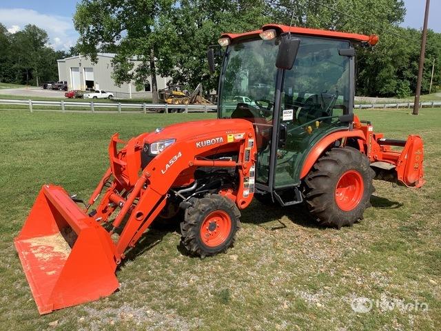 2019 Kubota B2650HSD 4WD Tractor, MFWD Tractor