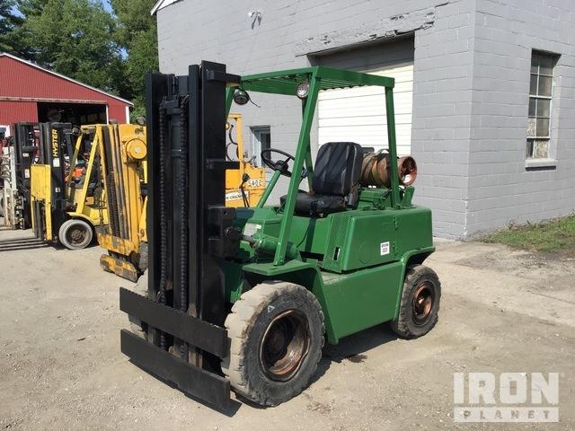 Clark C500-Y60 6000 lb Cushion Tire Forklift, Forklift