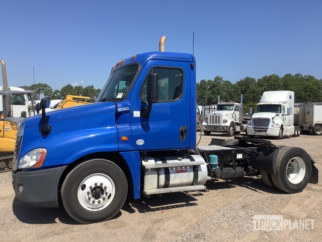 2013 Freightliner X12542ST 4x2 S/A Day Cab Truck Tractor, Truck Tractor (S/A)