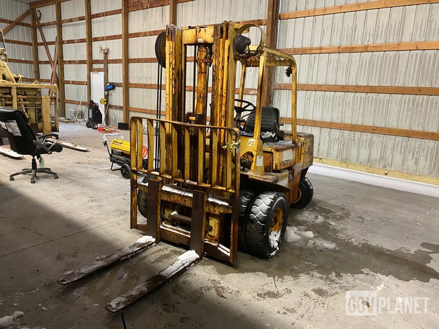 Hyster H60XL MIL Pneumatic Tire Forklift, Forklift