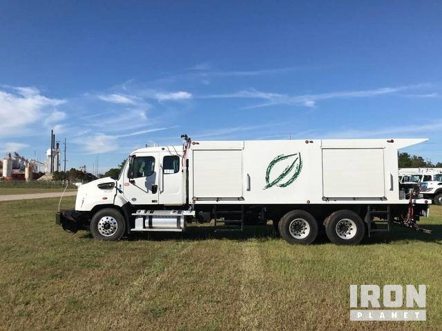 2016 (unverified) Freightliner 114SD Herbicide Spray Truck, Sprayer