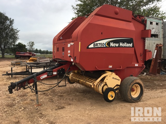 New Holland BR750 Round Baler, Baler