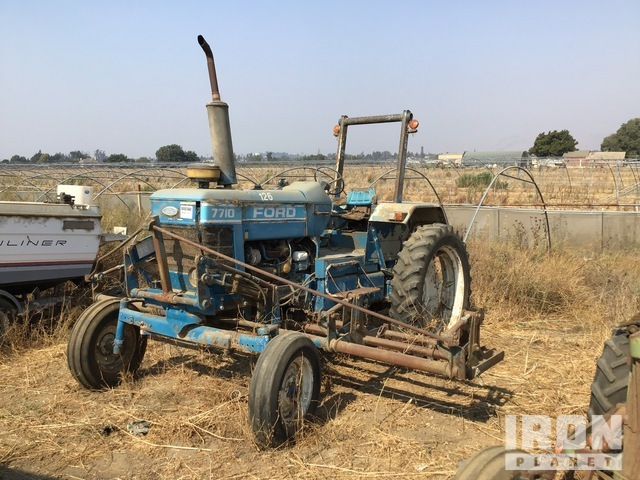 Ford/New Holland 415M 2WD Tractor, 2WD Tractor