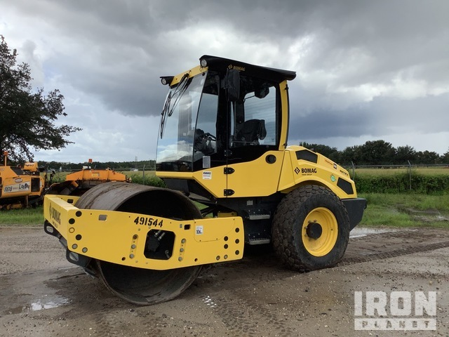 2018 Bomag BW177D-5 Vibratory Single Drum Compactor, Vibratory Padfoot Compactor