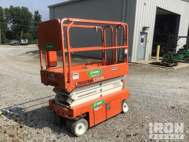 2016 (unverified) Snorkel S3219E Electric Scissor Lift, Scissorlift