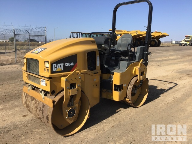 2017 Cat CB34B Vibratory Double Drum Roller, Roller