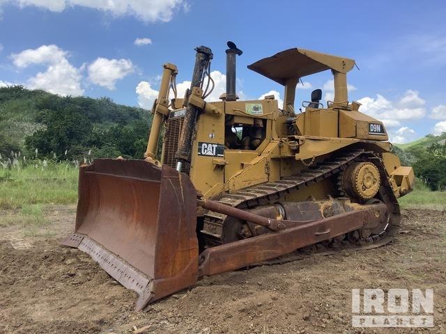 1982 Cat D8L Crawler Dozer, Crawler Tractor