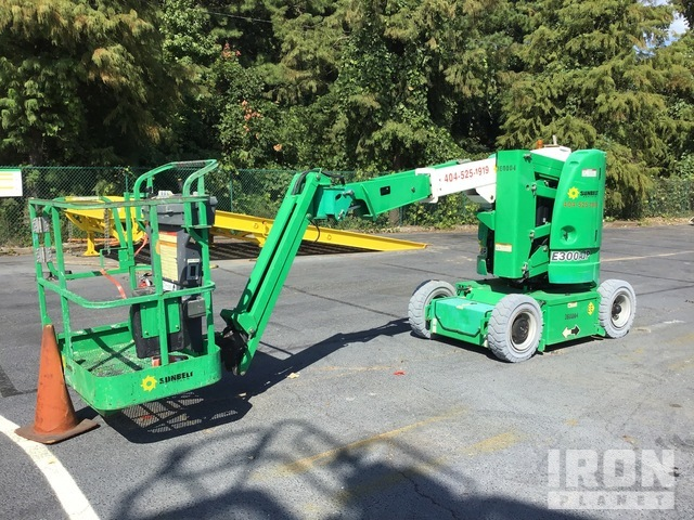 2011 JLG E300AJP Electric Articulating Boom Lift, Boom Lift