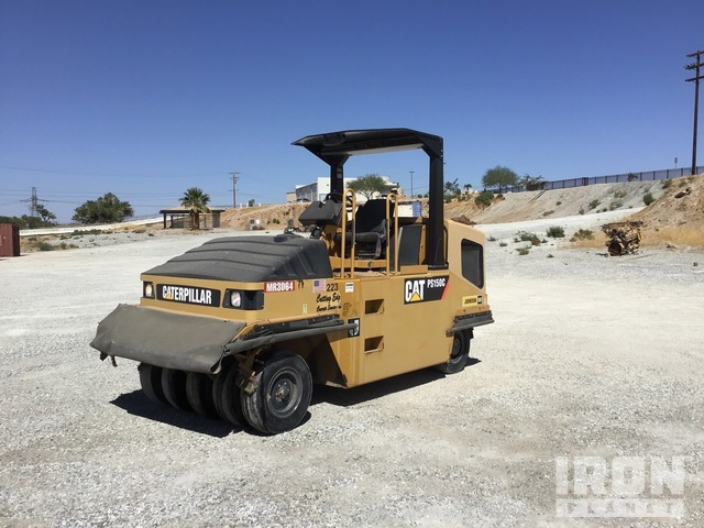 2011 Cat PS-150C Pneumatic Roller, Roller