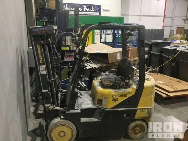 Daewoo GC25E-3 Pneumatic Tire Forklift, Forklift