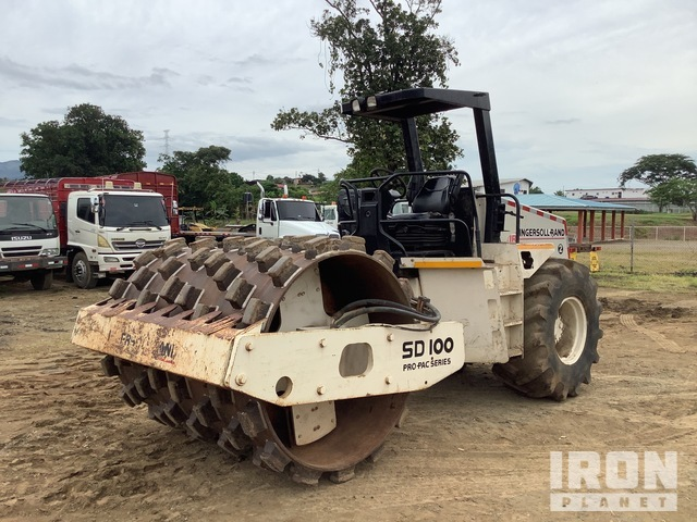 1995 Ingersoll-Rand SD100 Vibratory Single Drum Compactor, Roller