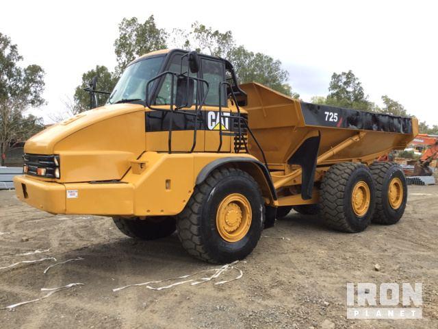 2003 Cat 725 Articulated Dump Truck, Articulated Dump Truck