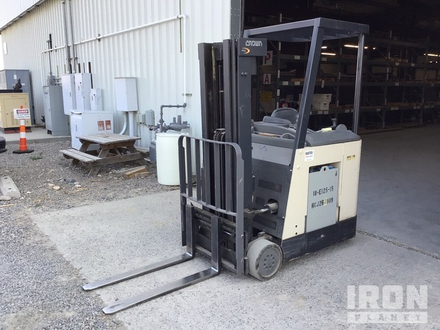 Crown Encore Series 4825 lb Electric Forklift, Electric Forklift