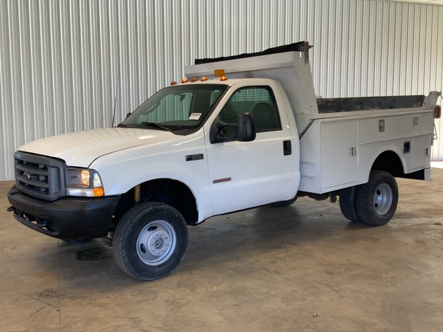 2003 Ford F-350 XL Super Duty 4x4 S/A Dump Truck