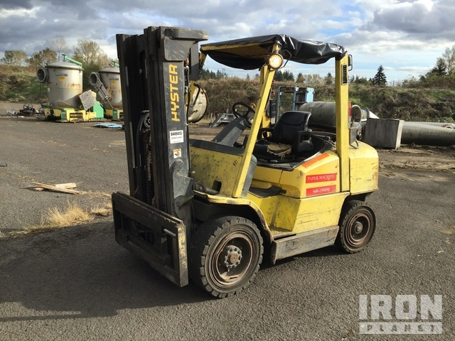Hyster H70XM 6950 lb Pneumatic Tire Forklift, Forklift