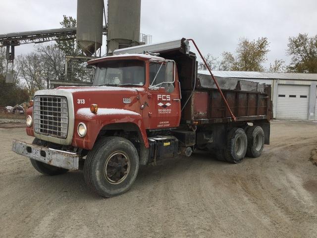 1973 Ford  6x4 T/A Dump Truck