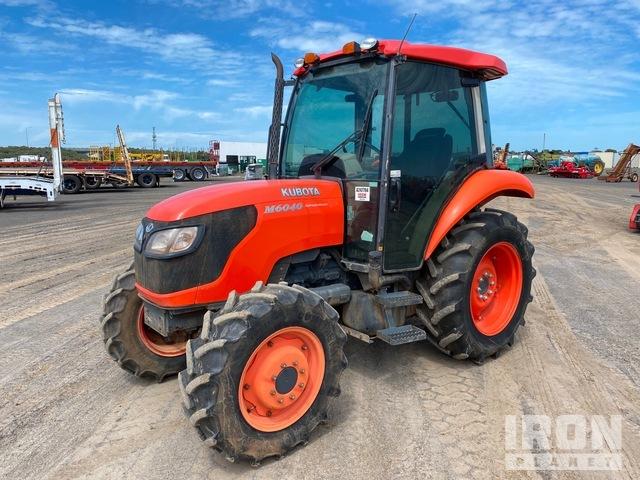 Kubota M6040 4WD Tractor, MFWD Tractor