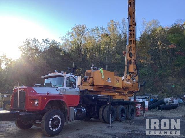 Reedrill Texoma 700 Drill on 1996 Mack RB688S Tri/A Truck, Drill Truck
