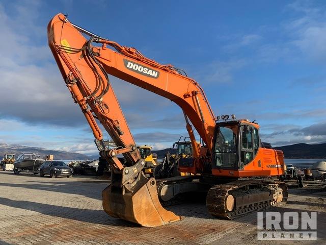2013 Doosan DX300LC Track Excavator, Hydraulic Excavator