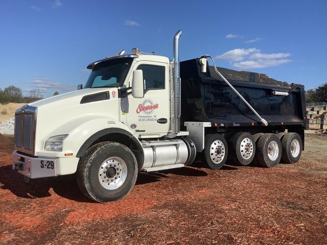 2017 Kenworth T880 10x4 Quad/A Dump Truck