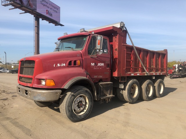 1999 Sterling L9513 8x4 Crew Cab T/A Dump Truck