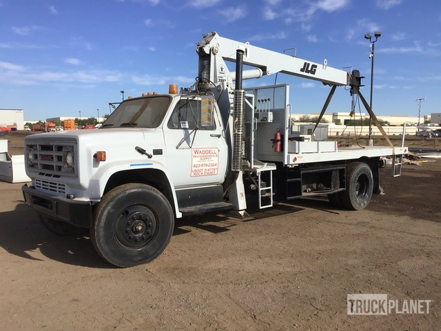 JLG 828BT 6600 lb Straight Boom on 1990 GMC C7000 4x2 S/A Truck, Boom Truck