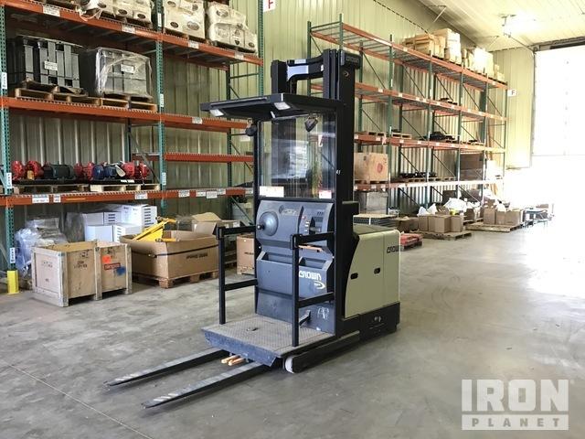 Crown SP3520-30 Order Picker, Electric Forklift