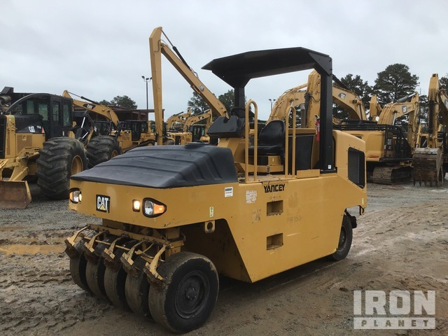 2014 Cat CW14 Pneumatic Roller, Roller