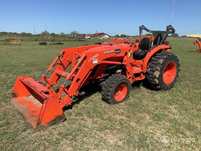 Kubota MX5200D 4WD Tractor, MFWD Tractor