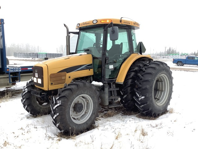 2008 Challenger MT425B 4WD Tractor, MFWD Tractor