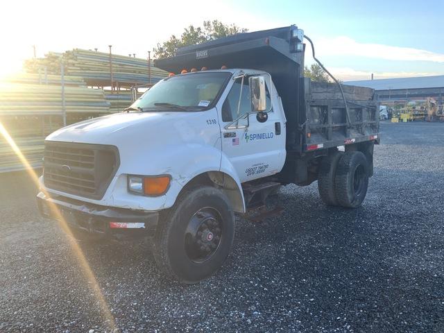 2000 Ford F-750 Super Duty 4x2 S/A Dump Truck