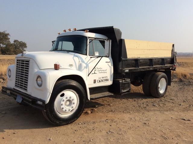 1971 (unverified) International  4x2 S/A Dump Truck