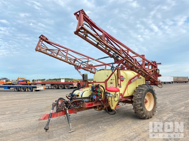 2004 Hardi Explorer 4024 80 ft Pull Type Sprayer, Sprayer