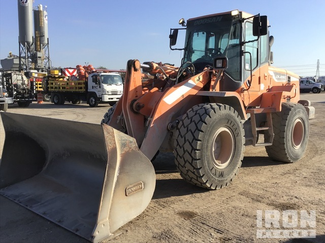 2015 (unverified) Doosan DL250 Wheel Loader:, Wheel Loader