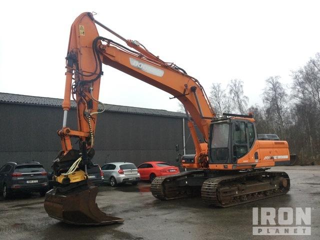 2011 Doosan DX300LC Track Excavator, Hydraulic Excavator