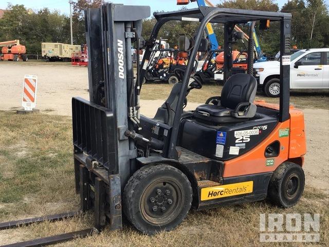2012 (unverified) Doosan D25S-5 4600 lb. Pneumatic Tire Forklift, Forklift