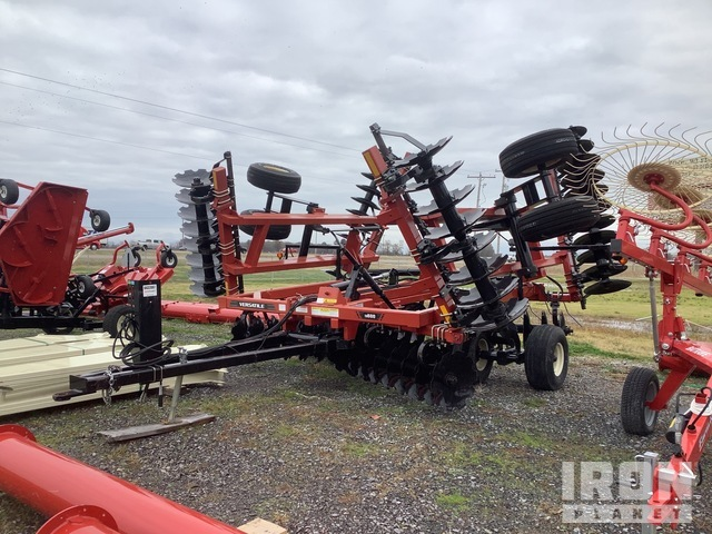 2015 Versatile TD600-70N 26 ft Floating Disc, Disc