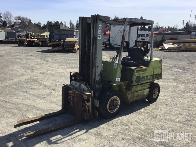 Clark GPX25E Pneumatic Tire Forklift, Forklift