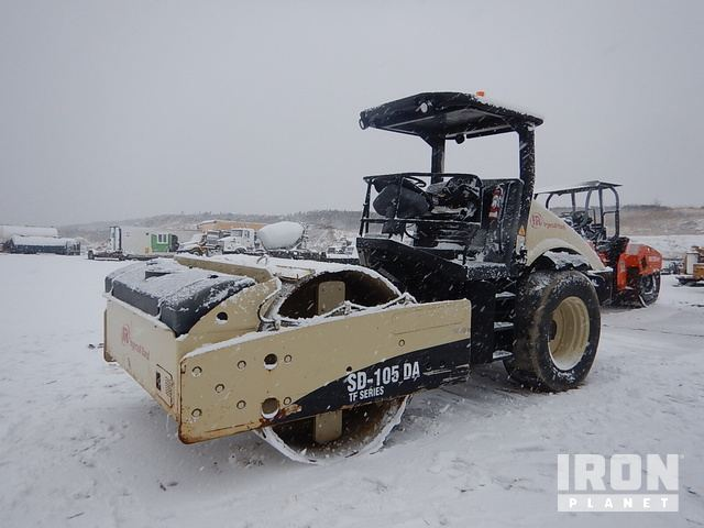 2005 Ingersoll-Rand SD 105DA TF Vibratory Single Drum Compactor, Vibratory Padfoot Compactor