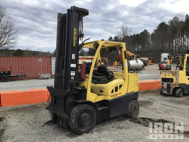 2014 Hyster S135FT 8850 lb. Pneumatic Tire Forklift, Parts/Stationary Construction-Other