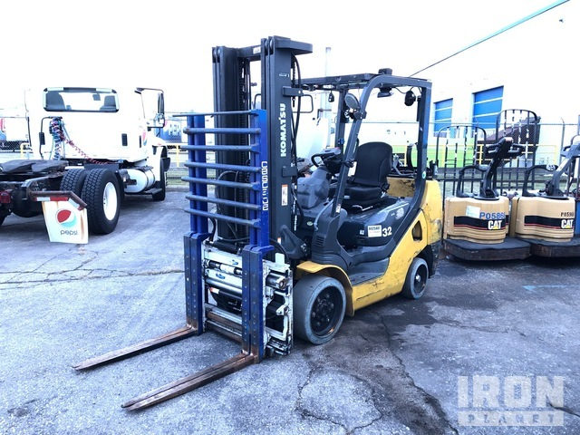 2013 (unverified) Komatsu FG32SHT-16 5150 lb Cushion Tire Forklift, Parts/Stationary Construction-Other