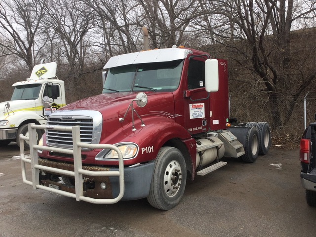 2012 Freightliner Columbia 6x4 T/A Day Cab Truck Tractor