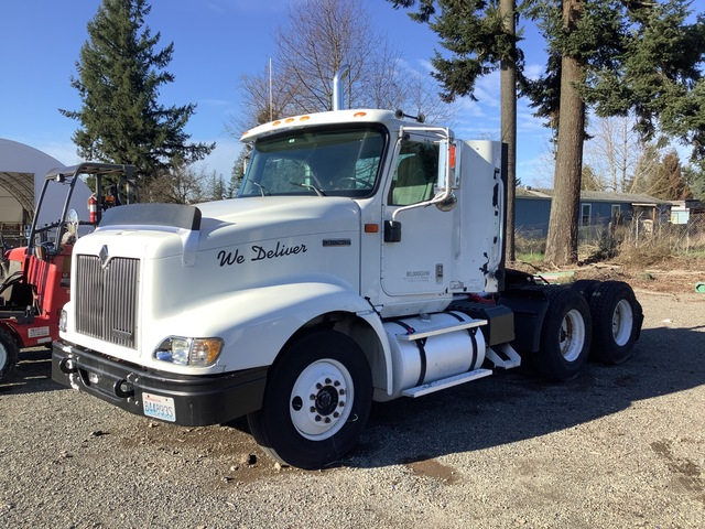 2000 International 9400i 6x4 T/A Day Cab Truck Tractor