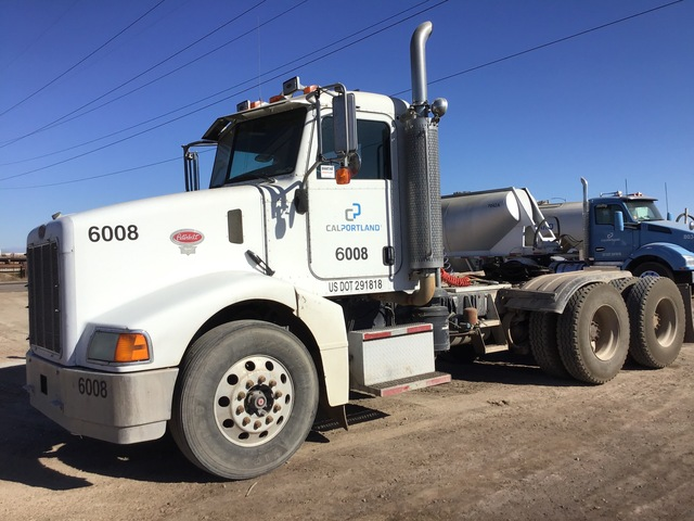 2006 Peterbilt 385 T/A Day Cab Truck Tractor