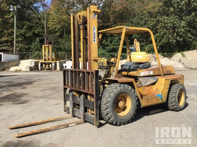 Clark 4x2 Rough Terrain Forklift, Rough Terrain Forklift
