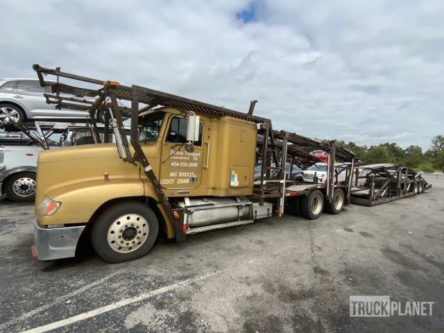 2001 Freightliner FLD112 Car Carrier Truck, Car Hauler Truck