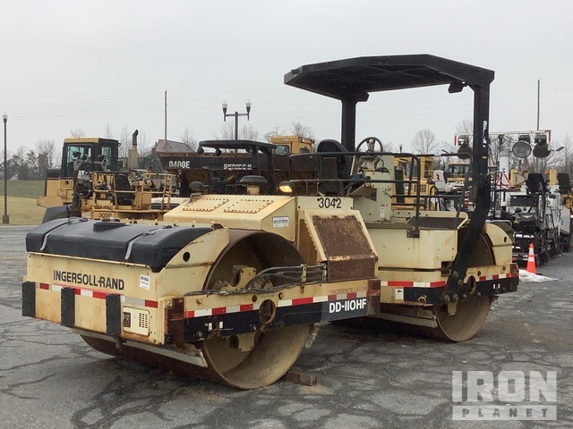 2000 Ingersoll-Rand DD110HF Vibratory Double Drum Roller, Tandem Roller